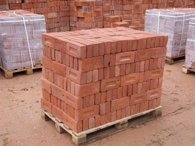 how many bricks in a pallet 1